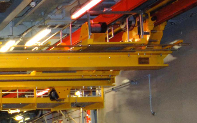 Ship gantry crane with crawl-ways and walkways for access in the event of power outage